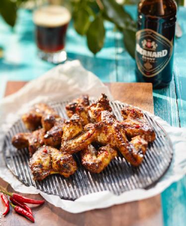 Pikantní kuřecí křidélka pivem polévaná